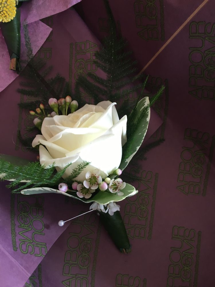 Buttonholes And Corsages Arbour Blooms (20)