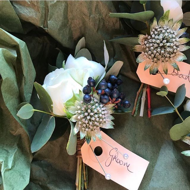 Buttonholes And Corsages Arbour Blooms (8)