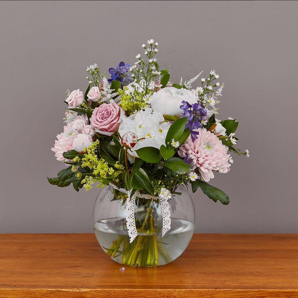 Doris Day 1 Arbour Blooms